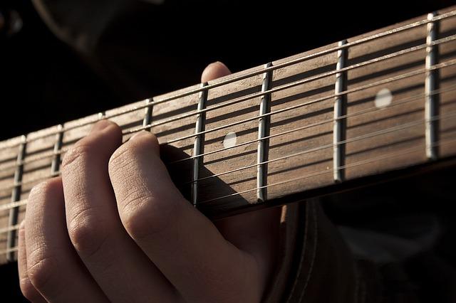 Partes de una guitarra española