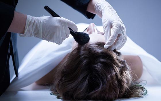 Tanatoestética y tanatopraxia: dos profesiones ajenas al paro