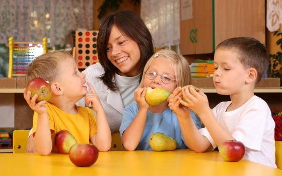 Curso online de monitor de comedor y ocio acompa ante de for Monitor de comedor escolar