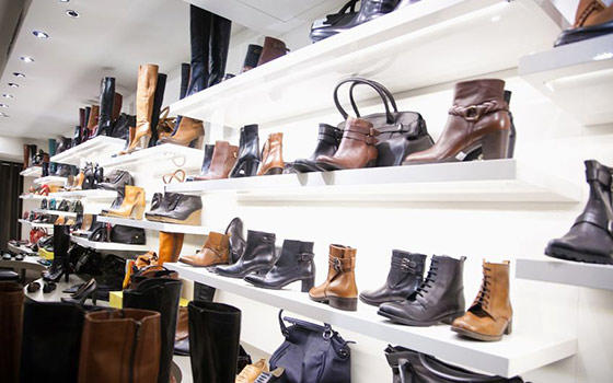 Curso online de escaparatismo en tienda de ropa calzado y for Ropa de diseno online